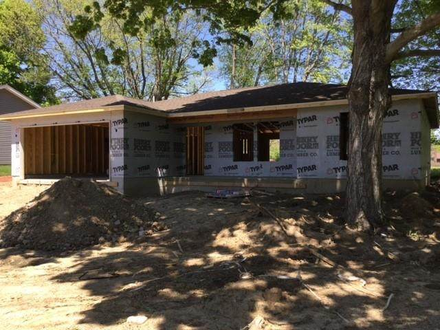 9039 Mill Street, Stockwell, IN 47983 (MLS #202117507) :: The Carole King Team