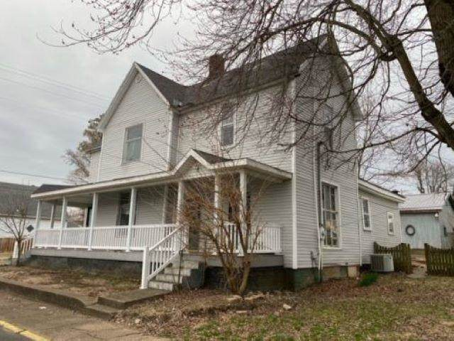 802 S 3rd Street, Boonville, IN 47601 (MLS #202118423) :: The Carole King Team