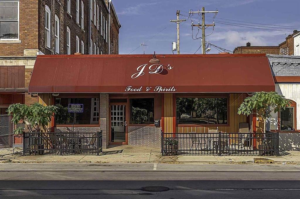 426 Warren Street - Photo 1
