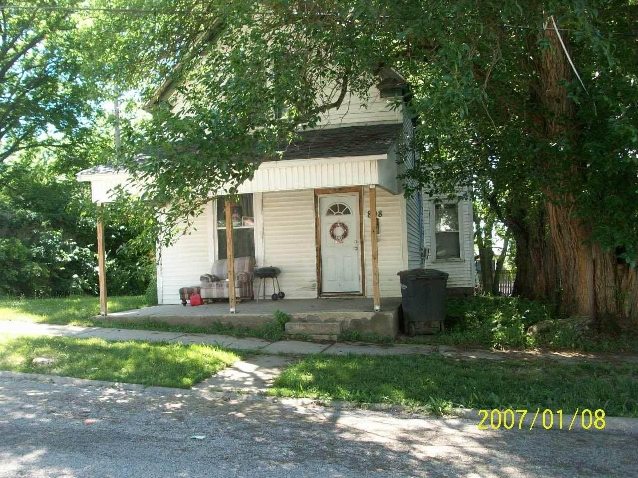 808 19th Street - Photo 1