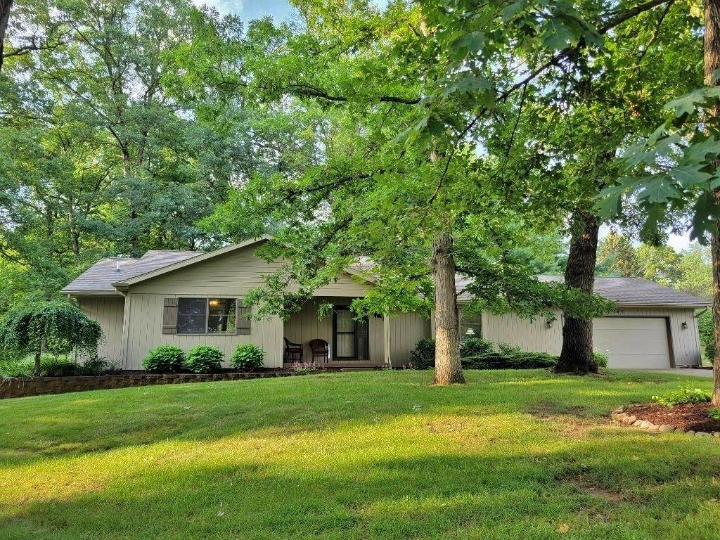 2841 Ivywood Drive - Photo 1