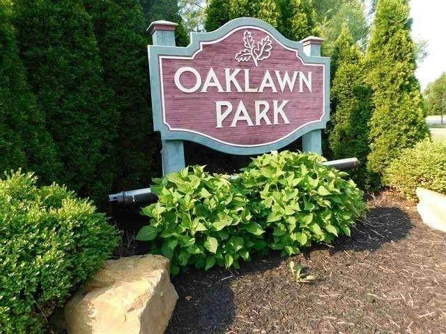 3372 Oaklawn Circle - Photo 1
