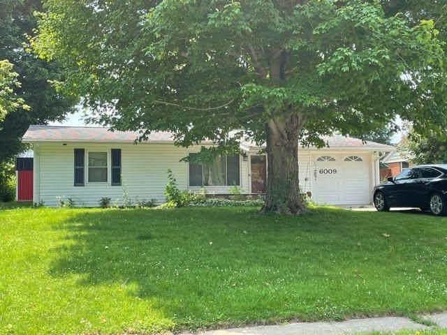 6009 Arrowhead Boulevard, Kokomo, IN 46902 (MLS #202128347) :: The Romanski Group - Keller Williams Realty
