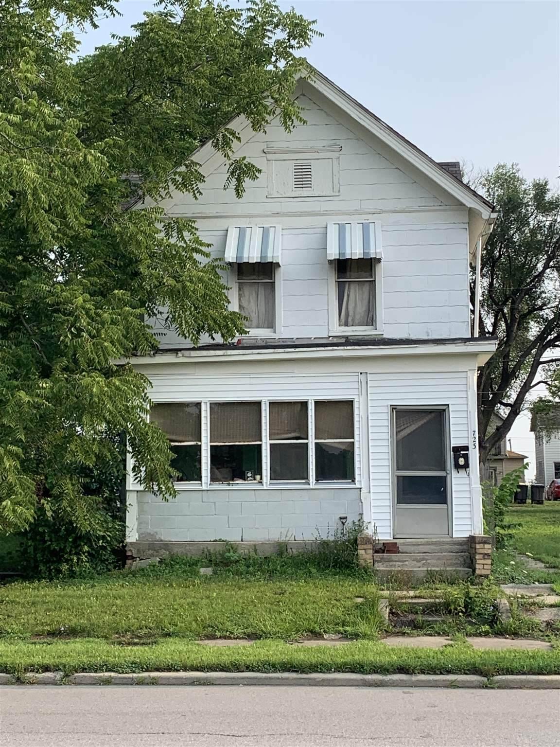 723 Jefferson Boulevard - Photo 1