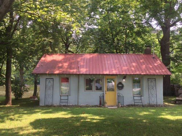 11452 W Horseshoe Bend Road, Brookston, IN 47923 (MLS #202129302) :: Aimee Ness Realty Group