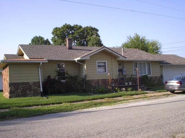 814 State Street, Vincennes, IN 47591 (MLS #202130221) :: Anthony REALTORS