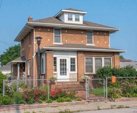 707 S Spring Street, Mishawaka, IN 46544 (MLS #202130717) :: JM Realty Associates, Inc.