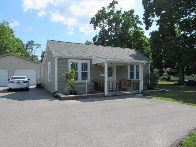 2237 E Riverside Drive, Evansville, IN 47714 (MLS #202131826) :: Aimee Ness Realty Group