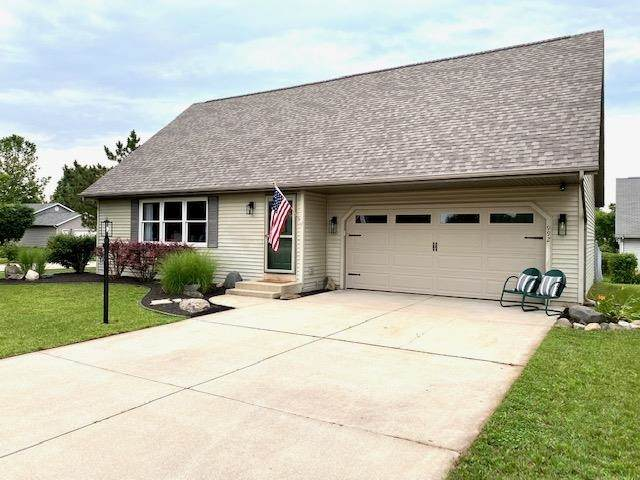 992 Spring Crossing Drive, Middlebury, IN 46540 (MLS #202131885) :: Aimee Ness Realty Group
