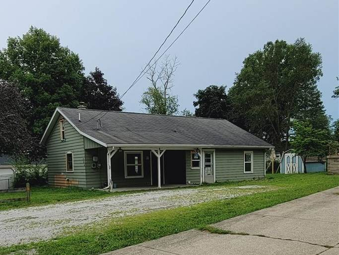 304 Lilac Drive - Photo 1