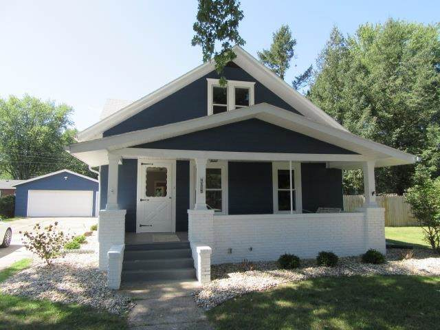 165 Marshall Boulevard, Elkhart, IN 46516 (MLS #202136790) :: Parker Team