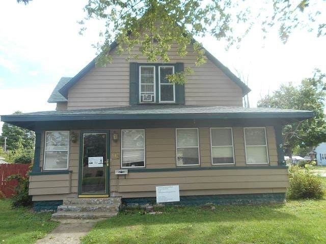 813 S Water Street, Jonesboro, IN 46938 (MLS #202137116) :: The Carole King Team