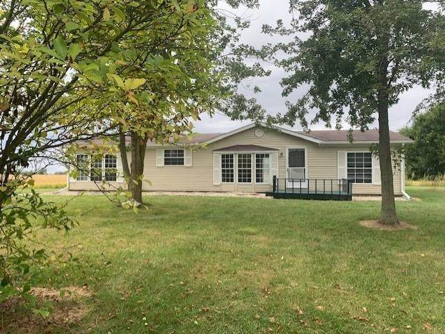 9724 N 300 E, North Manchester, IN 46962 (MLS #202139736) :: Anthony REALTORS