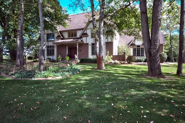 51530 Clubhouse Drive, South Bend, IN 46628 (MLS #201745310) :: Parker Team