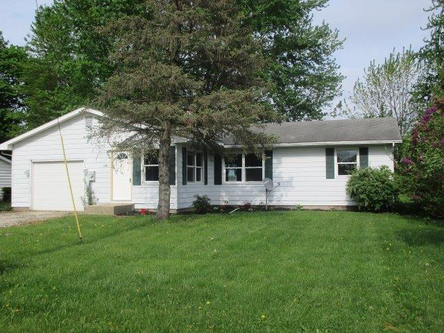 11492 N Enchanted Forest Lane, Cromwell, IN 46732 (MLS #201811871) :: The ORR Home Selling Team