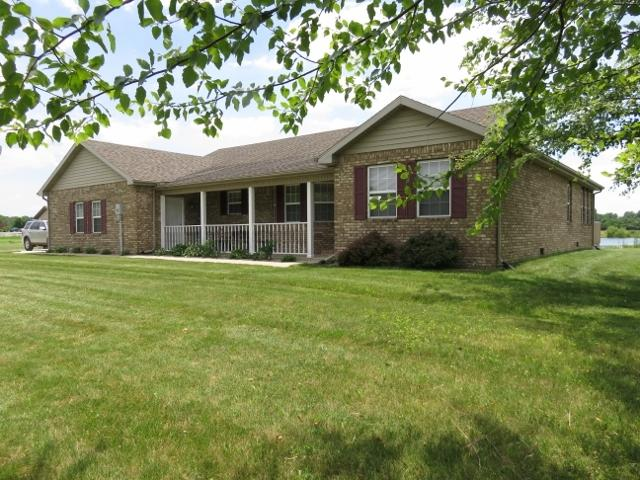 9617 E County Road 400 S Road, Selma, IN 47383 (MLS #201927371) :: The ORR Home Selling Team
