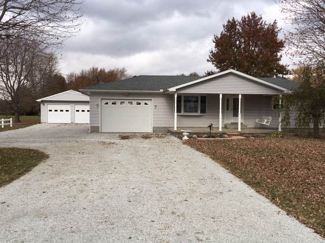 4174 W 250 SOUTH, Russiaville, IN 46979 (MLS #201948731) :: The Romanski Group - Keller Williams Realty