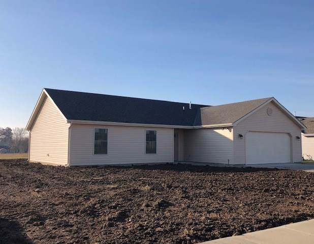 711 Nicholas Trail, Fremont, IN 46737 (MLS #201952319) :: The Dauby Team