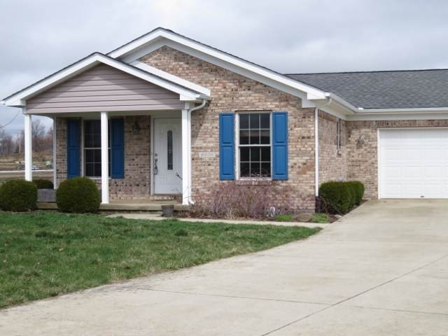 9508 W Canter Court, Yorktown, IN 47396 (MLS #202010685) :: The ORR Home Selling Team