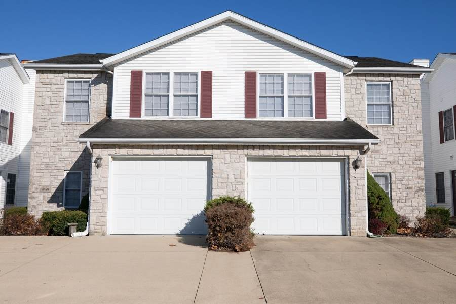 3490 Oaklawn Circle - Photo 1