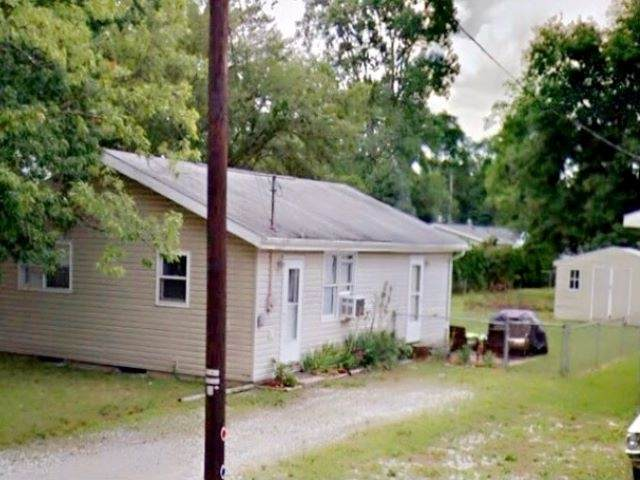 23678 Greenwood Boulevard, Elkhart, IN 46516 (MLS #202103793) :: Aimee Ness Realty Group