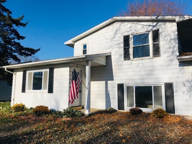 2734 Lexington Boulevard, Mishawaka, IN 46544 (MLS #201849184) :: The ORR Home Selling Team