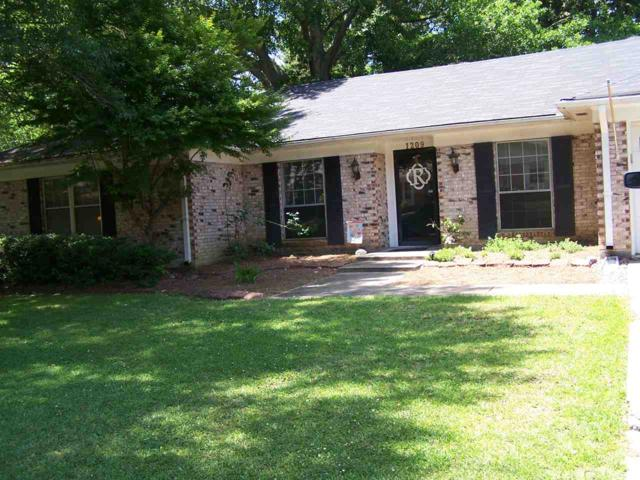 1209 Cliffdale Dr, Clinton, MS 39056 (MLS #320217) :: RE/MAX Alliance