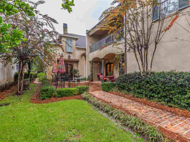 16 Arlington Park, Jackson, MS 39211 (MLS #325347) :: Three Rivers Real Estate