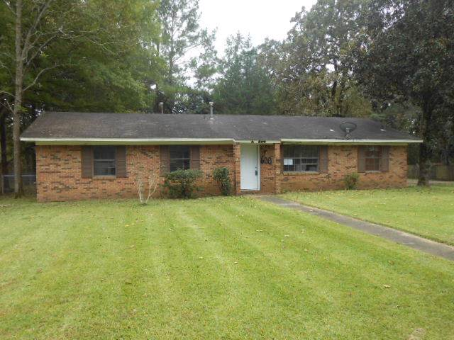 600 E Academy St, Canton, MS 39046 (MLS #325780) :: RE/MAX Alliance