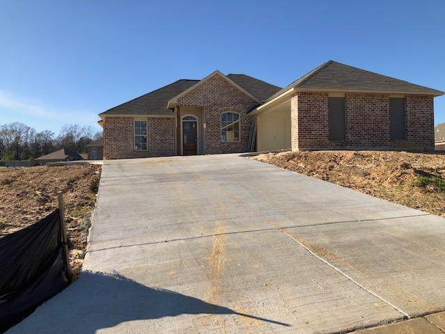 120 Cypress Bend Blvd, Terry, MS 39170 (MLS #327387) :: RE/MAX Alliance