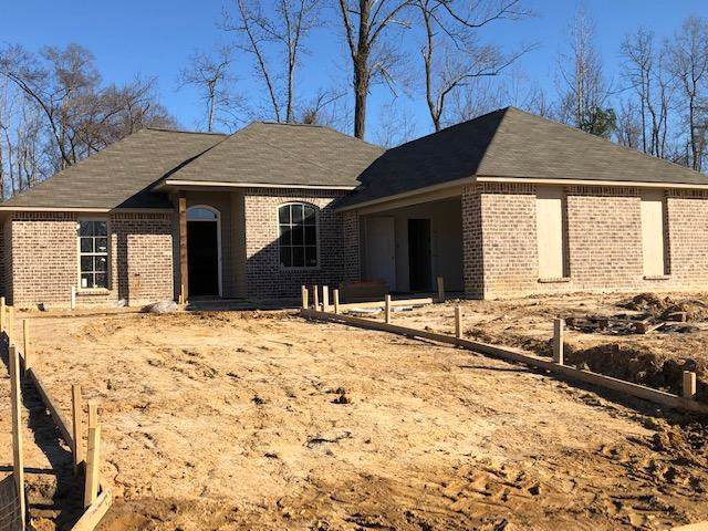 137 Cypress Bend Blvd, Terry, MS 39170 (MLS #327565) :: List For Less MS