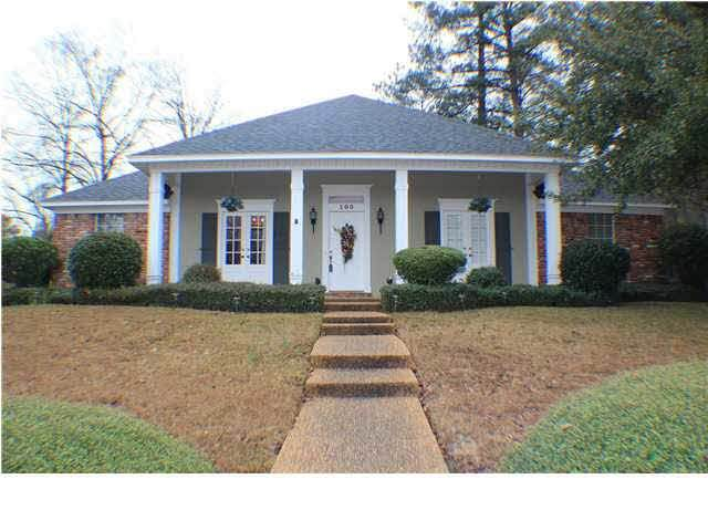 100 Trace Ridge Dr, Ridgeland, MS 39157 (MLS #329111) :: List For Less MS