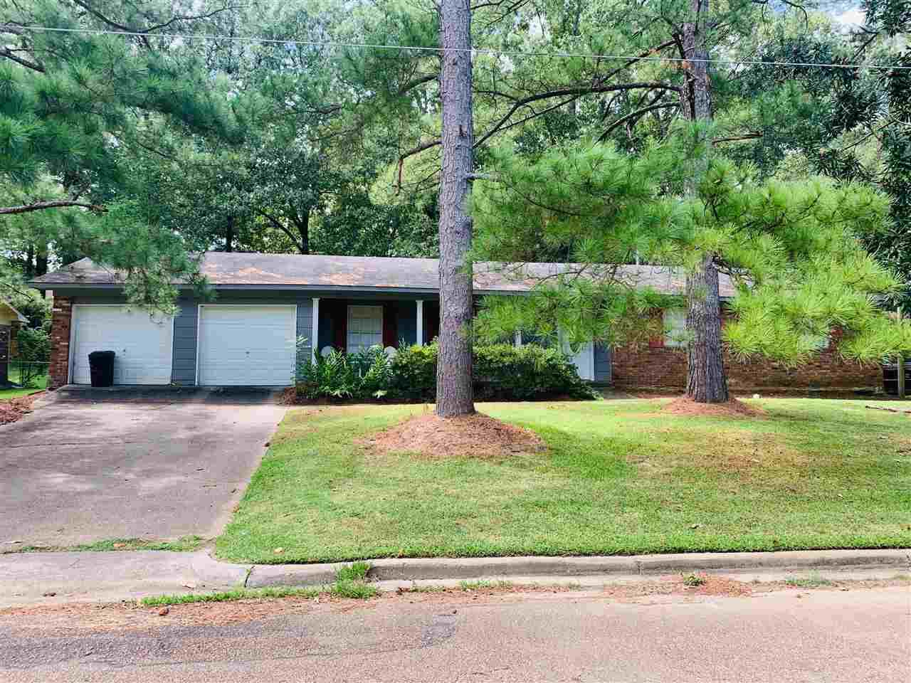902 Live Oak Dr - Photo 1