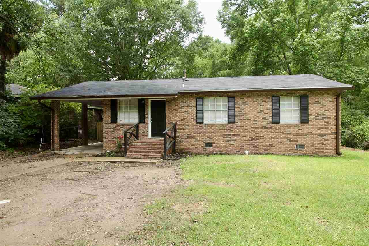 3033 Woodview  Dr - Photo 1