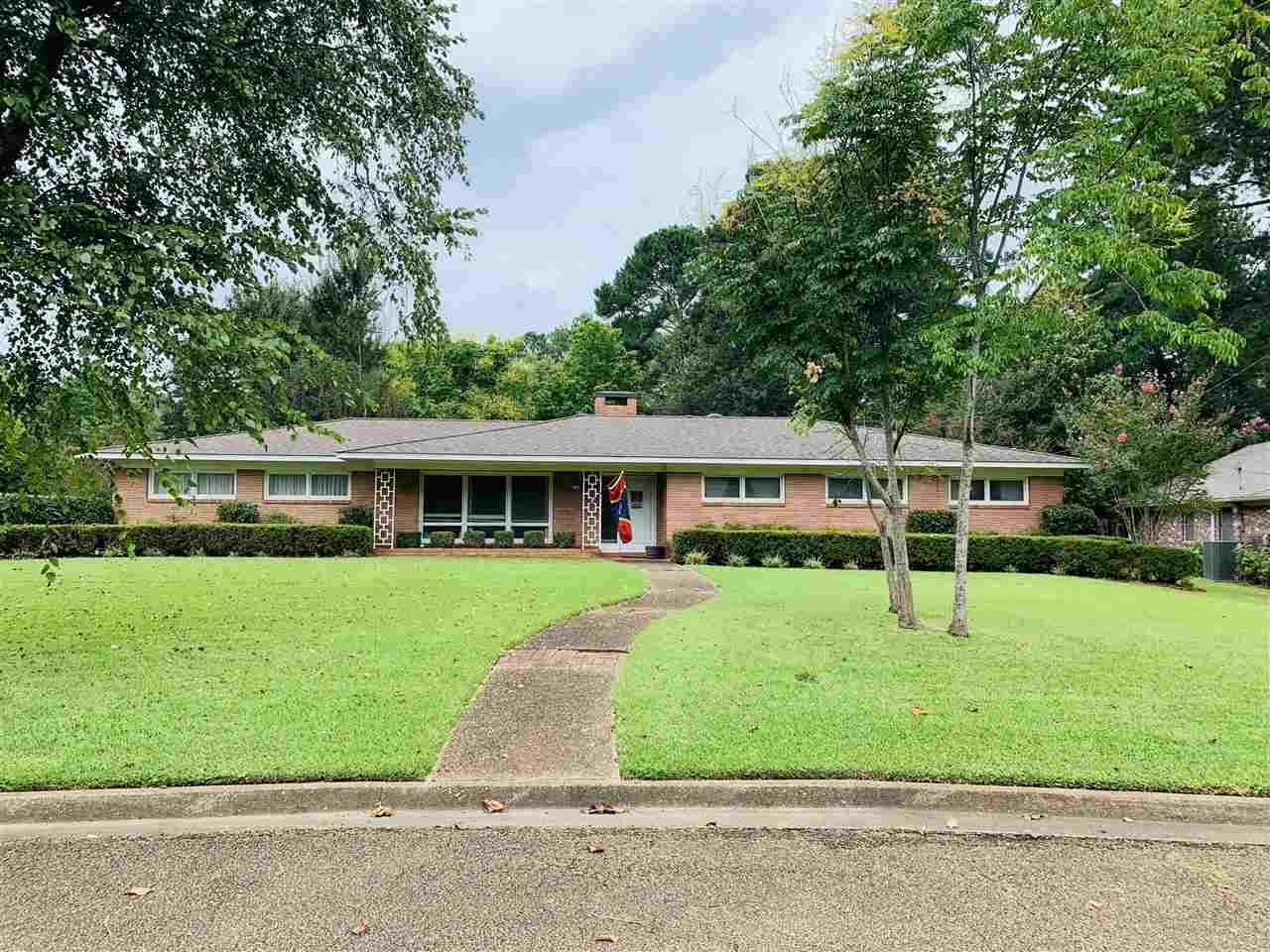 1440 Roswell Dr - Photo 1