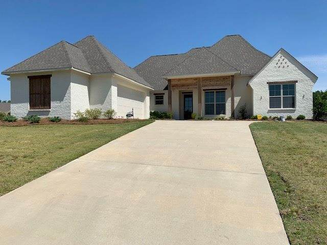 134 Freeland Ln, Clinton, MS 39056 (MLS #327235) :: Mississippi United Realty