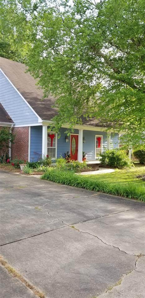 223 Travis Trail, Madison, MS 39110 (MLS #329792) :: Three Rivers Real Estate