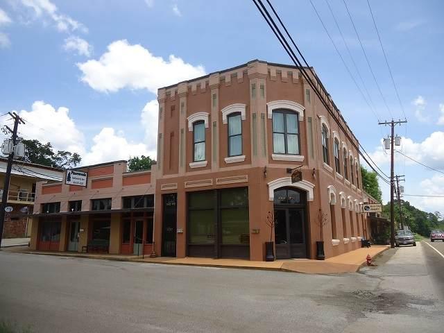 152 Oak St - Photo 1