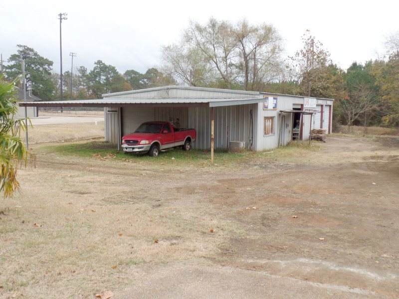 110 Old Sabine Town Rd. - Photo 1