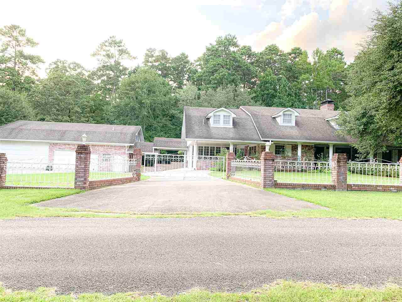110 Forest Drive - Photo 1