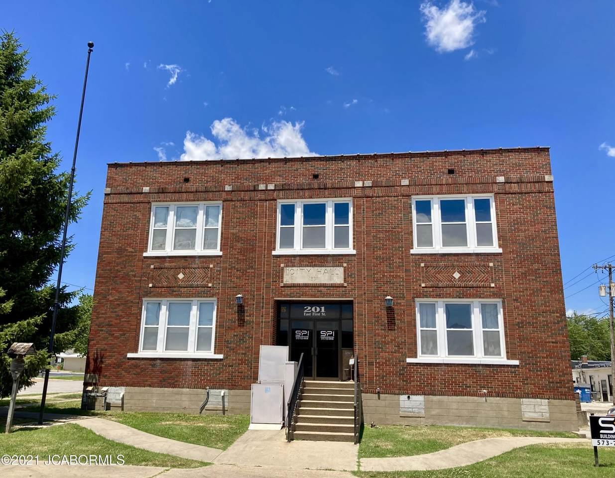 101 Oak Street - Photo 1