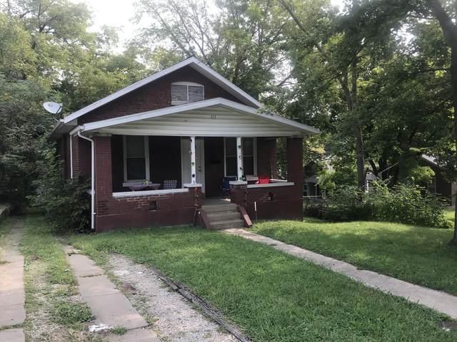 211 E Atchison Street, Jefferson City, MO  (MLS #10059105) :: Columbia Real Estate