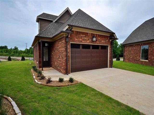 2812 Village Meadow, Jonesboro, AR 72401 (MLS #10076197) :: REMAX Real Estate Centre