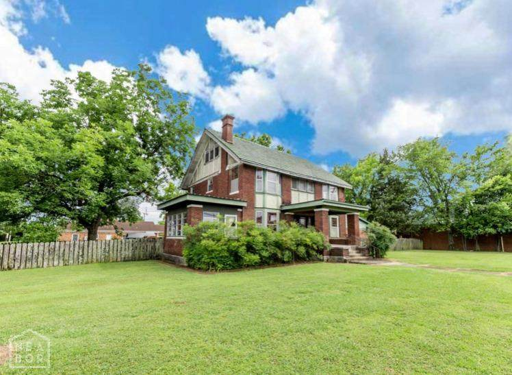 476 Boswell - Photo 1
