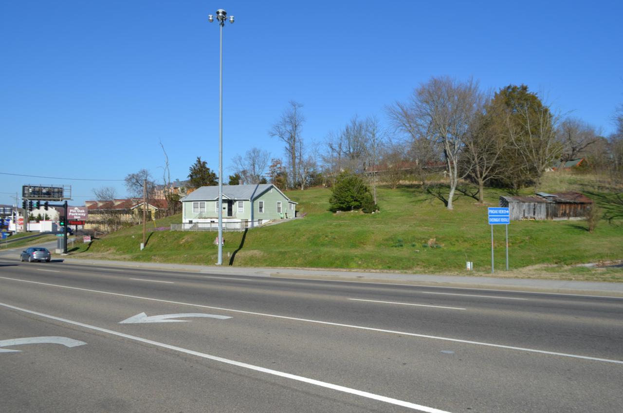 2075 Parkway - Photo 1