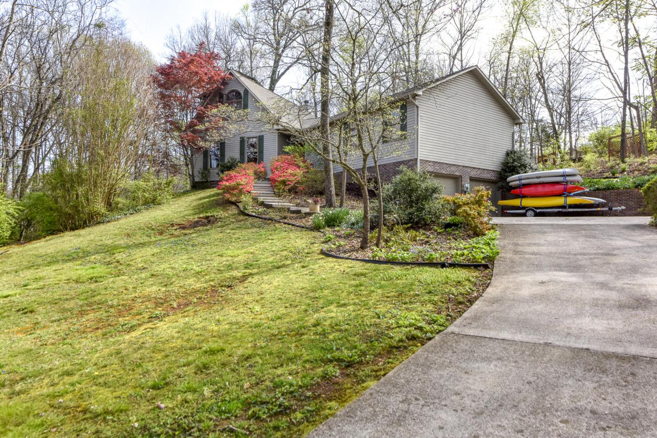 3002 Shadow Brook Drive, Maryville, TN 37803 (#1074561) :: Tennessee Elite  Realty