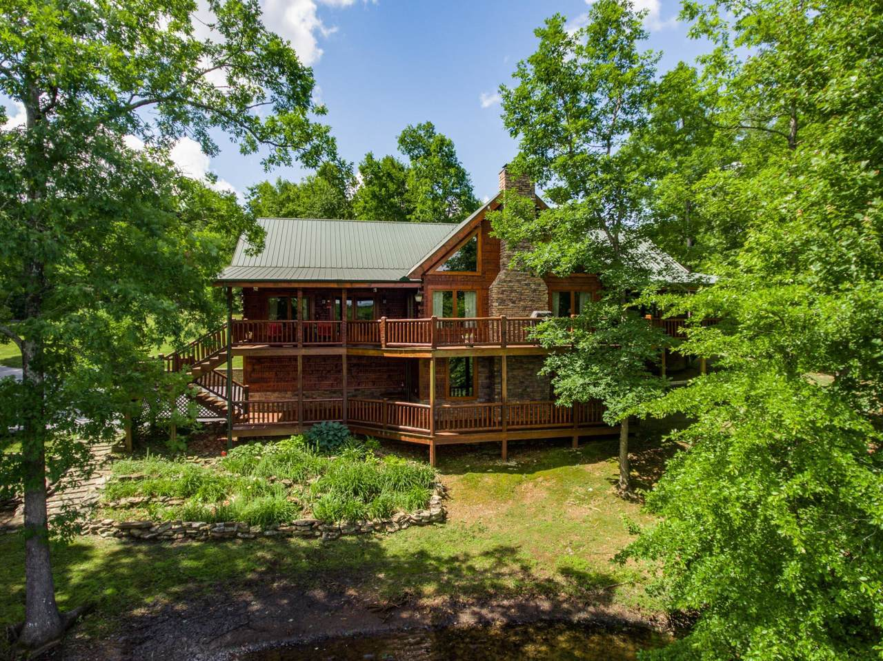251 Sycamore Bend - Photo 1