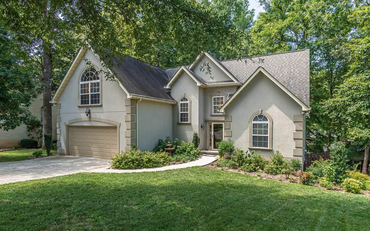 5520 Oakside Drive - Photo 1