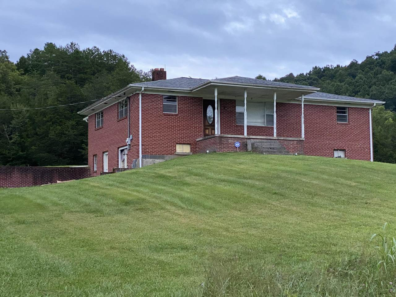 3525 Willow Tree Rd - Photo 1