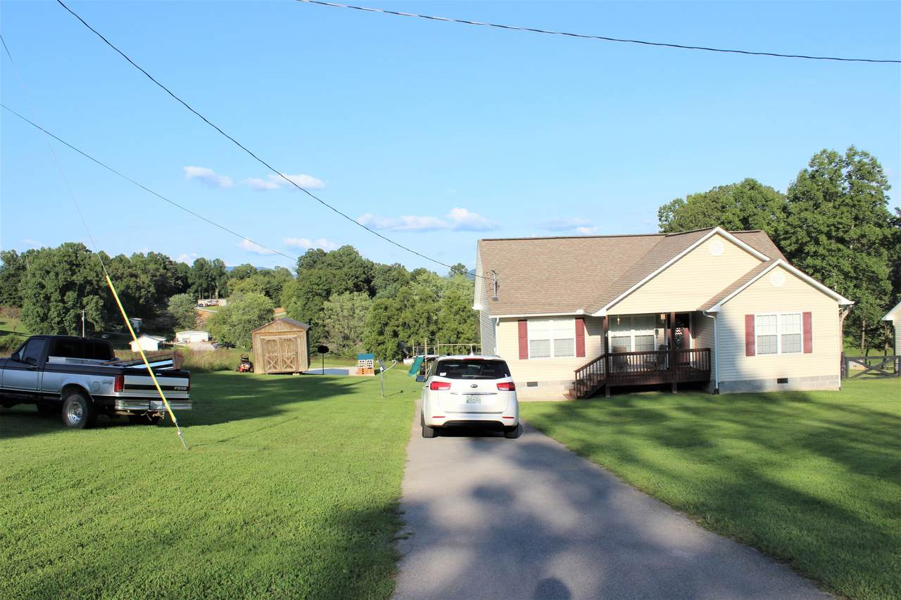 163 Magnolia Lane - Photo 1